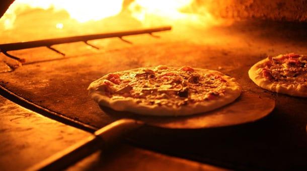 Pizza Mâcon au feu de bois Commande 7/7 livraison gratuite